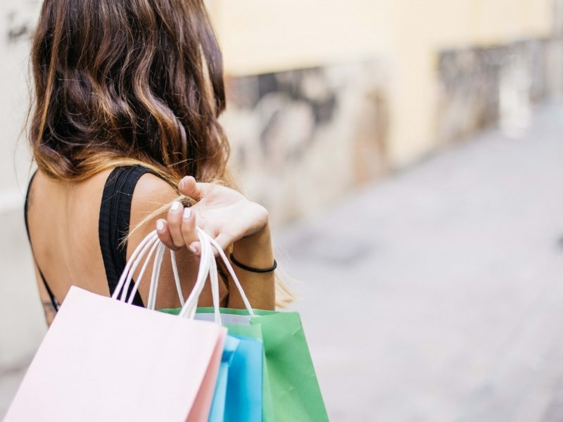 How to Save your Hard-Earned Money while Shopping for Clothes?
