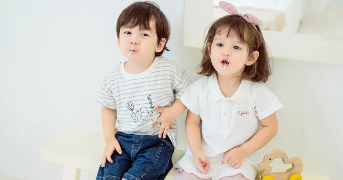 What to look for when buying clothes for toddlers?