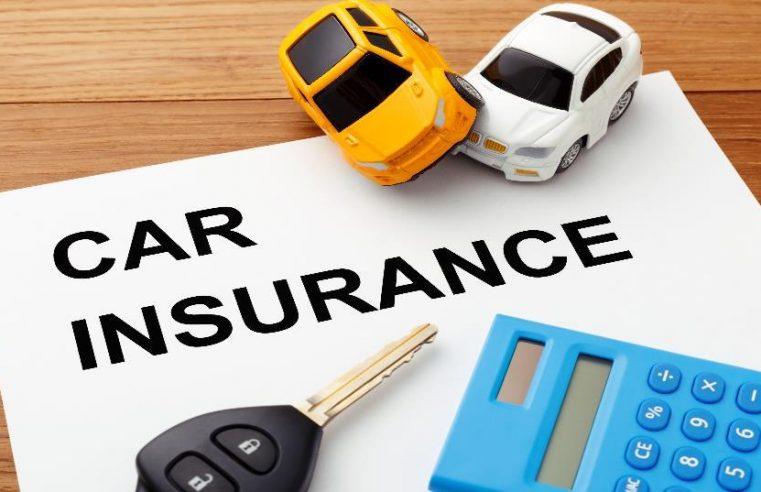 Buying Four-Wheeler Insurance Online vs Offline