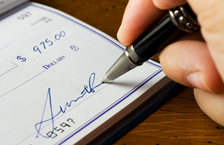 How to buy personal checks online at low prices
